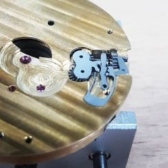 Winding -and setting mechanism